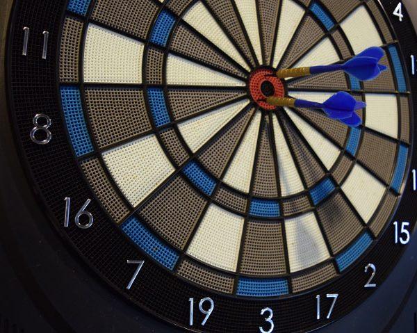 v darts
